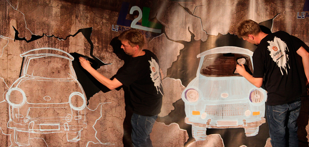 interatktive Indoor Kunst Show -  Trabbi Graffiti mit den Urban Artists
